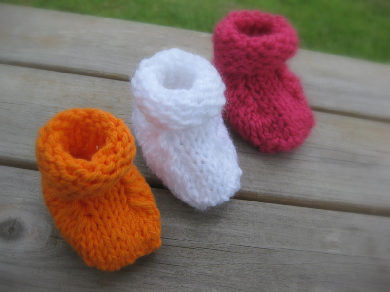 Simple Seamless Baby Booties | Blog of Joy
